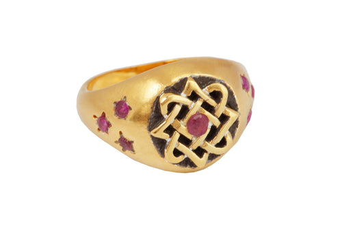 Lada star ring with rubies. Gold plated.