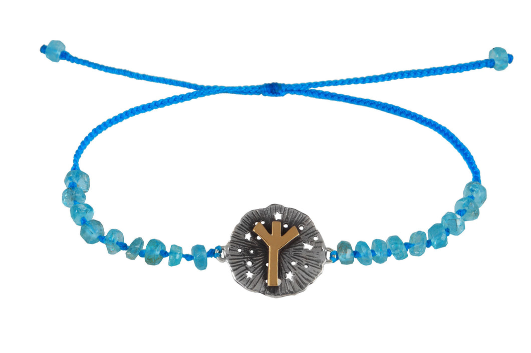 Beaded semprecious stone bracelet with runic medalion amulet Algiz. Gold plated, gold plated and oxide.