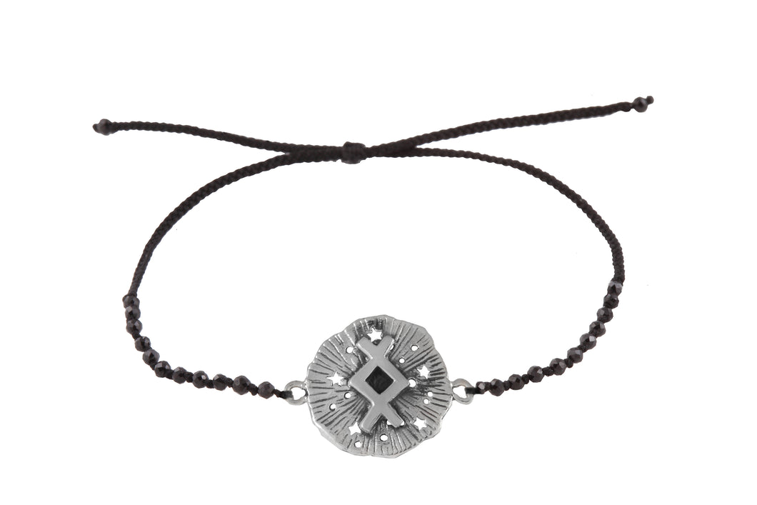 Beaded semprecious stone bracelet with runic medalion amulet Inguz. Silver