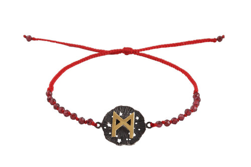 Beaded semprecious stone bracelet with runic medalion amulet Manaz. Gold plated and oxide.