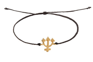 String bracelet with Neptune amulet. Gold plated.