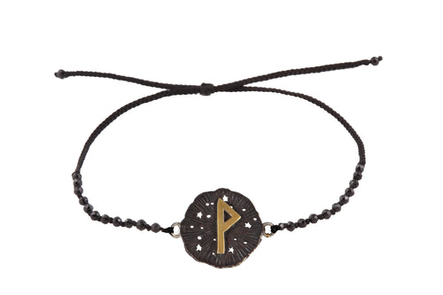 Beaded semprecious stone bracelet with runic medalion amulet Wunjo. Gold plated, gold plated and oxide.