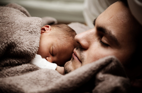 Dad and baby co-sleeping