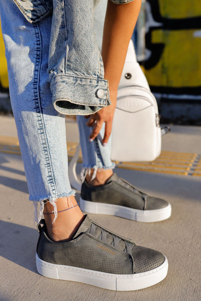 Stylish Sneakers 011