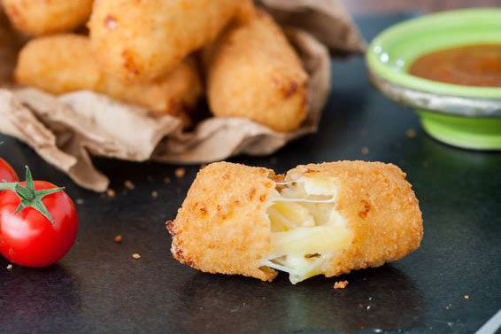 MAC 'n' CHEESE CROQUETTE