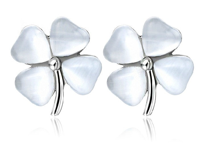 Meow Meow Castle4-Leaf Clover Stud EarringsEarrings - Meow Meow Castle