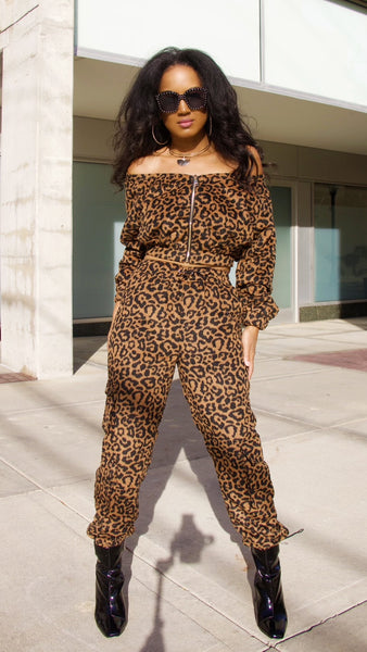 Walking into the Wild Side 2pc Jogger Set (Also Available in Plus Size)