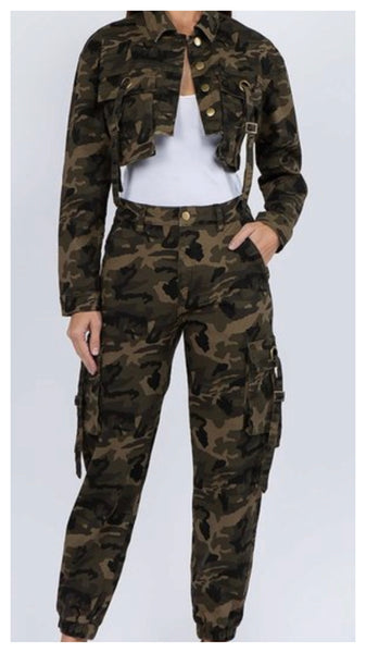 Take it on Camo Jogger Set