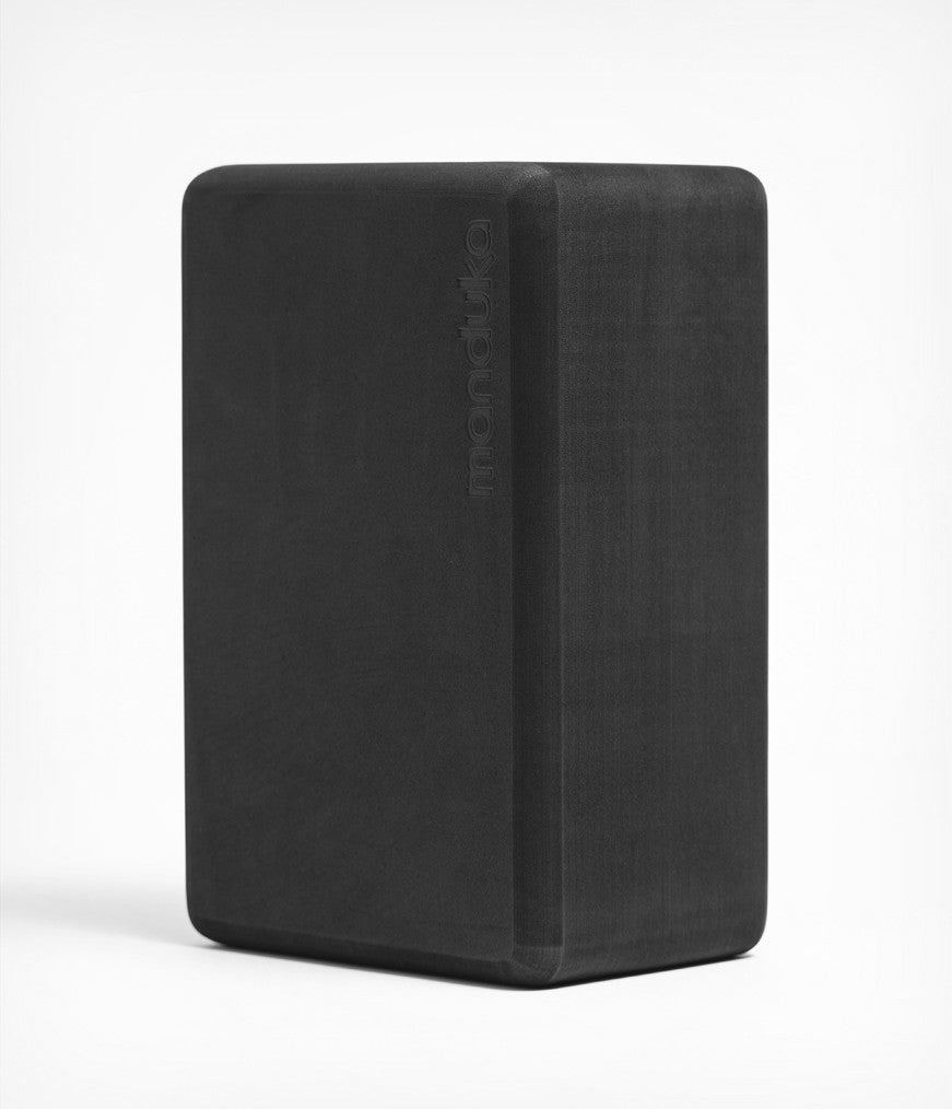 Manduka Recycled Foam Yoga Block - Thunder. •270γρ  • 23 x 15 x 10 εκ - mykarma.gr
