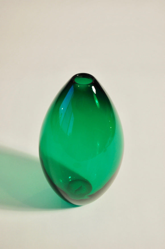 Emerald Green Egg Vase