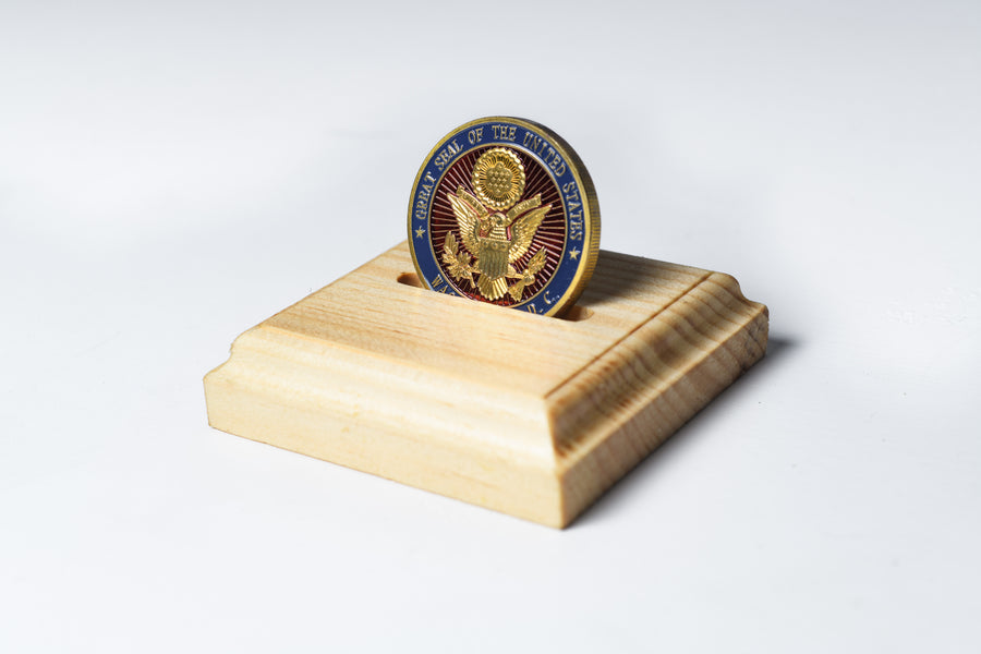 Natural Pine Single Challenge Coin Display