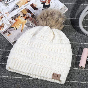 Boho Beach Hut Women's Beanies White Fashion Knitted Beanies with Fur