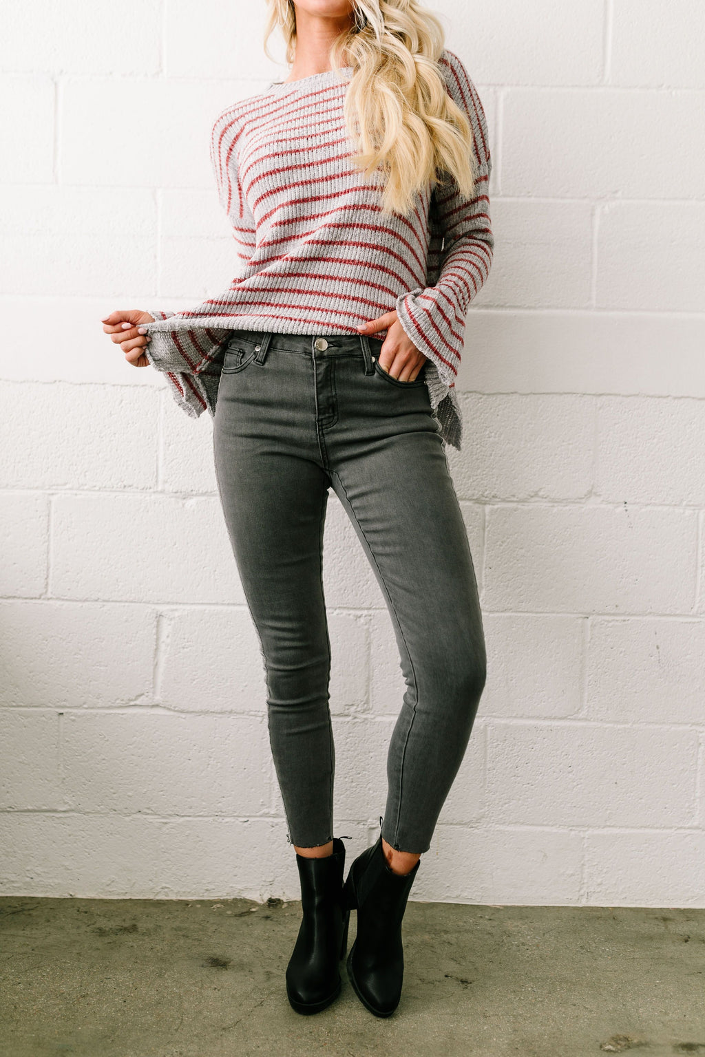 Las Velvet Strip Dark Gray Skinny Jeans