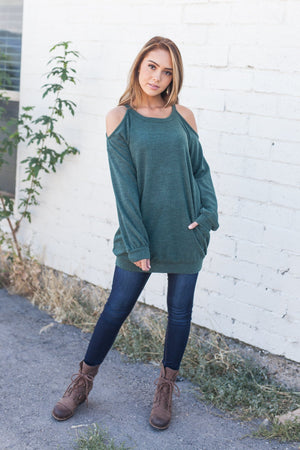 Dare To Bare Pocketed Top In Hunter Green