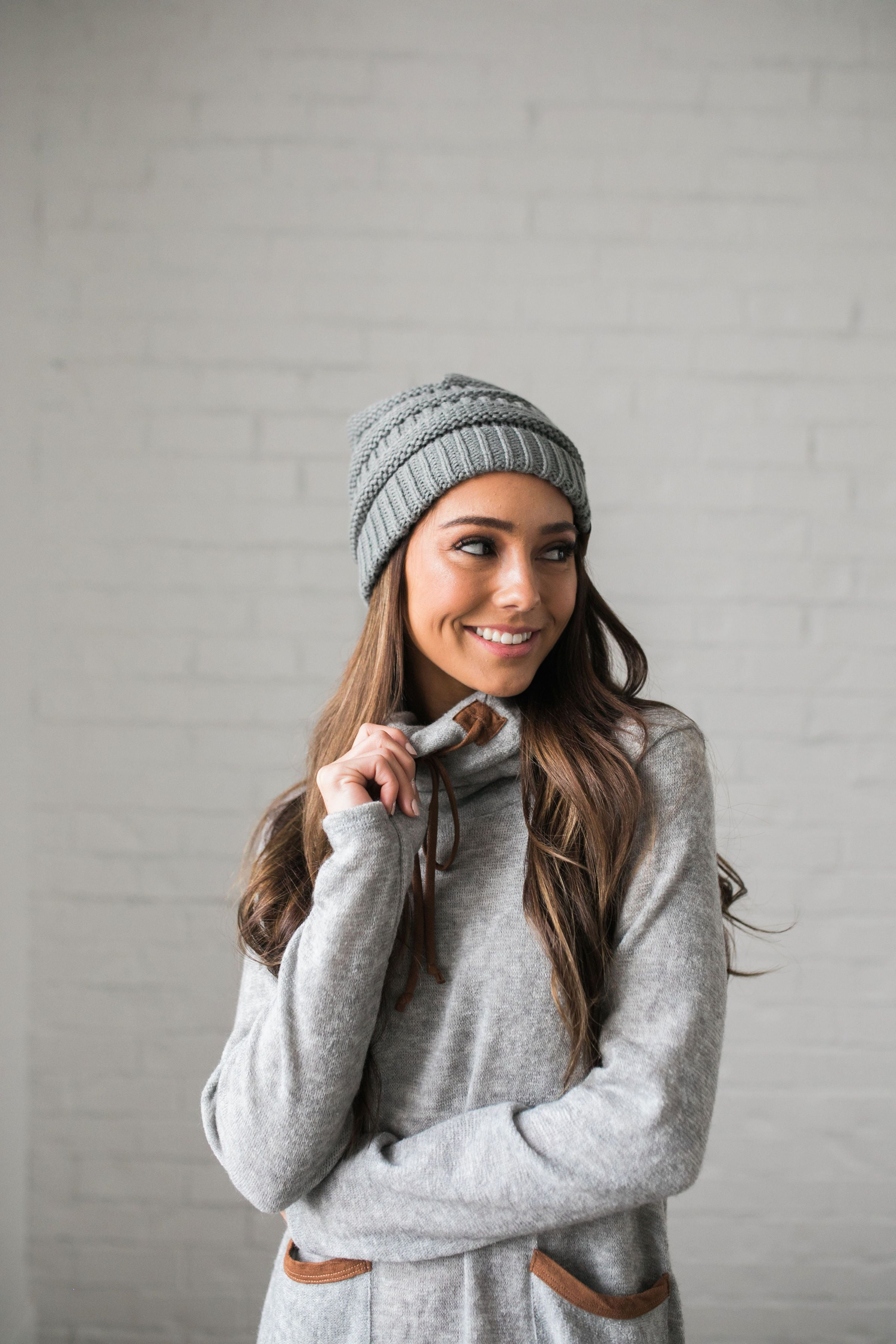Nifty Knit Beanie In Natural Gray