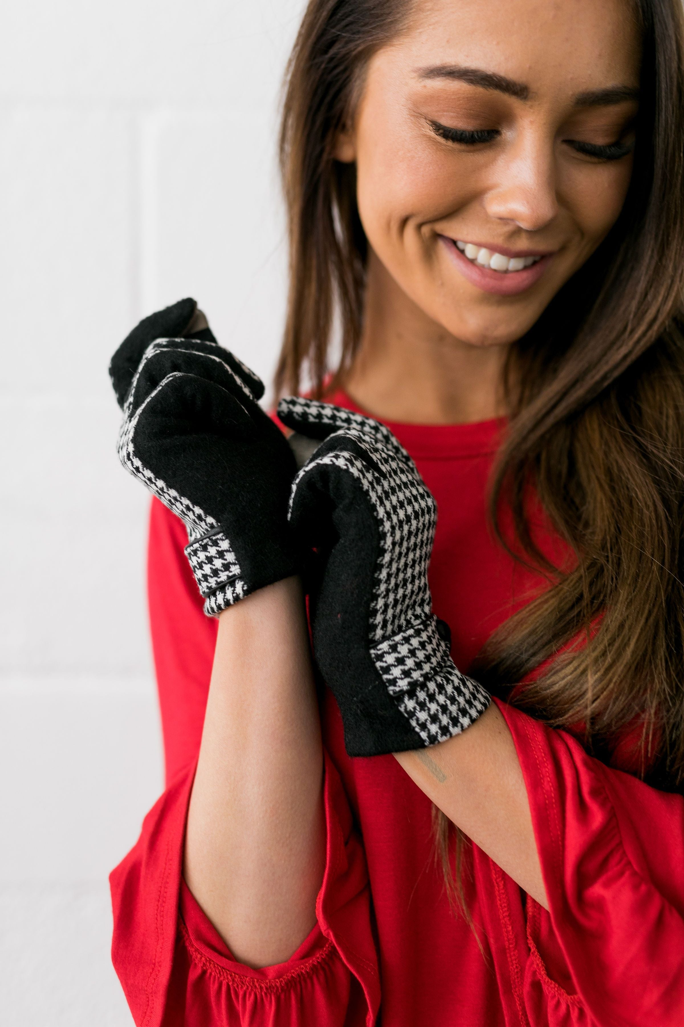 Tech Savvy Houndstooth Gloves