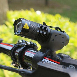 Telescopic Zoom Bike Flash Light 2000 Lumens