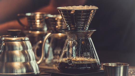 brewing fresh coffee in a chemex