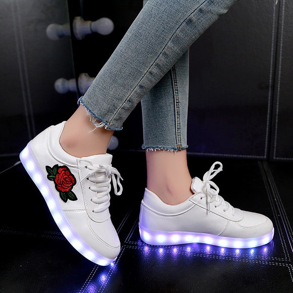 2019 New Size 26-44 Kids Luminous Sneakers for Girls Boys Women Shoes with Light Led Shoes with Flower Glowing Sneakers