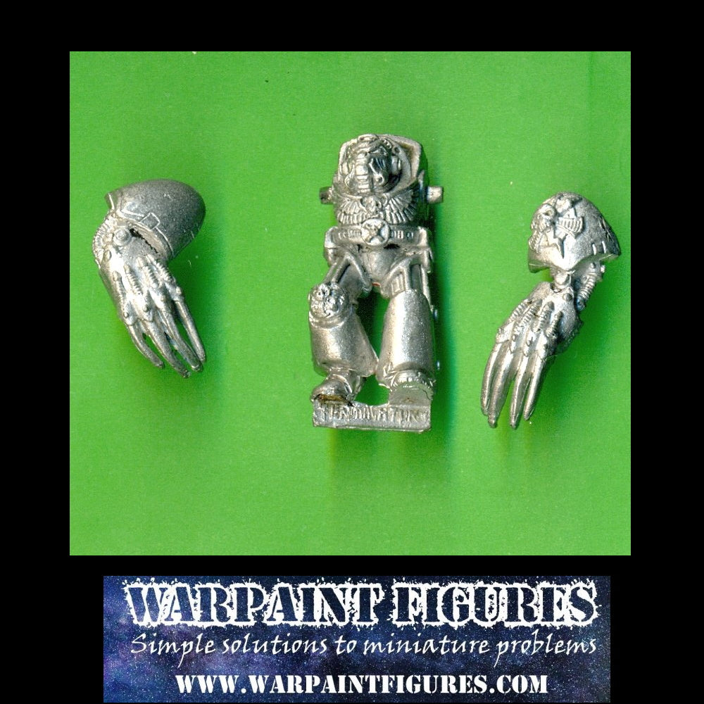 For Sale - OOP Warhammer GW 1989 40K Space Marines Terminator Lightning Claws