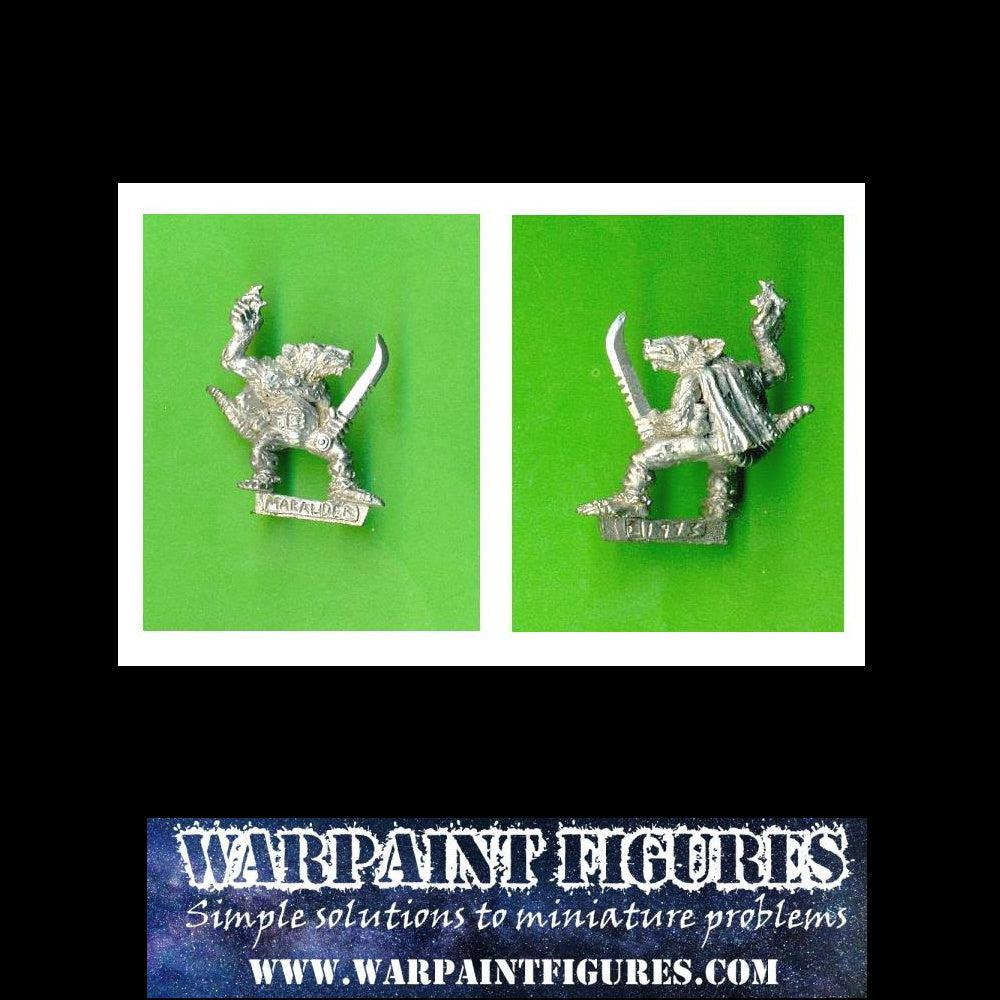 1992 Marauder Miniatures Gutter Runner with shuriken and dagger