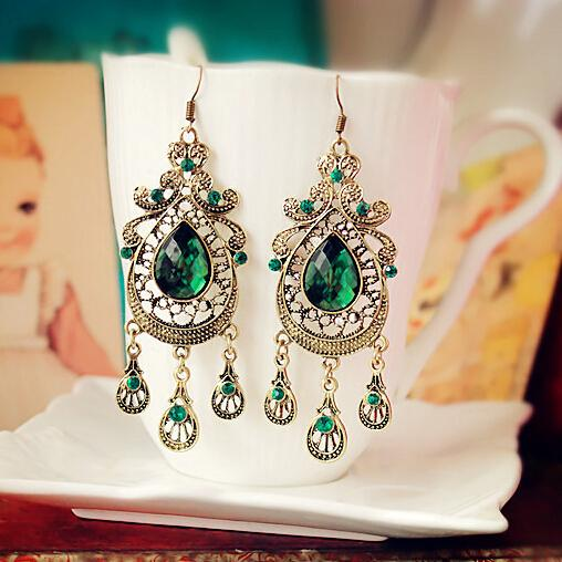 Green Water-drop Earrings - Bohemian Lily
