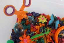 Load image into Gallery viewer, Butterflies & Bugs Sensory Bin