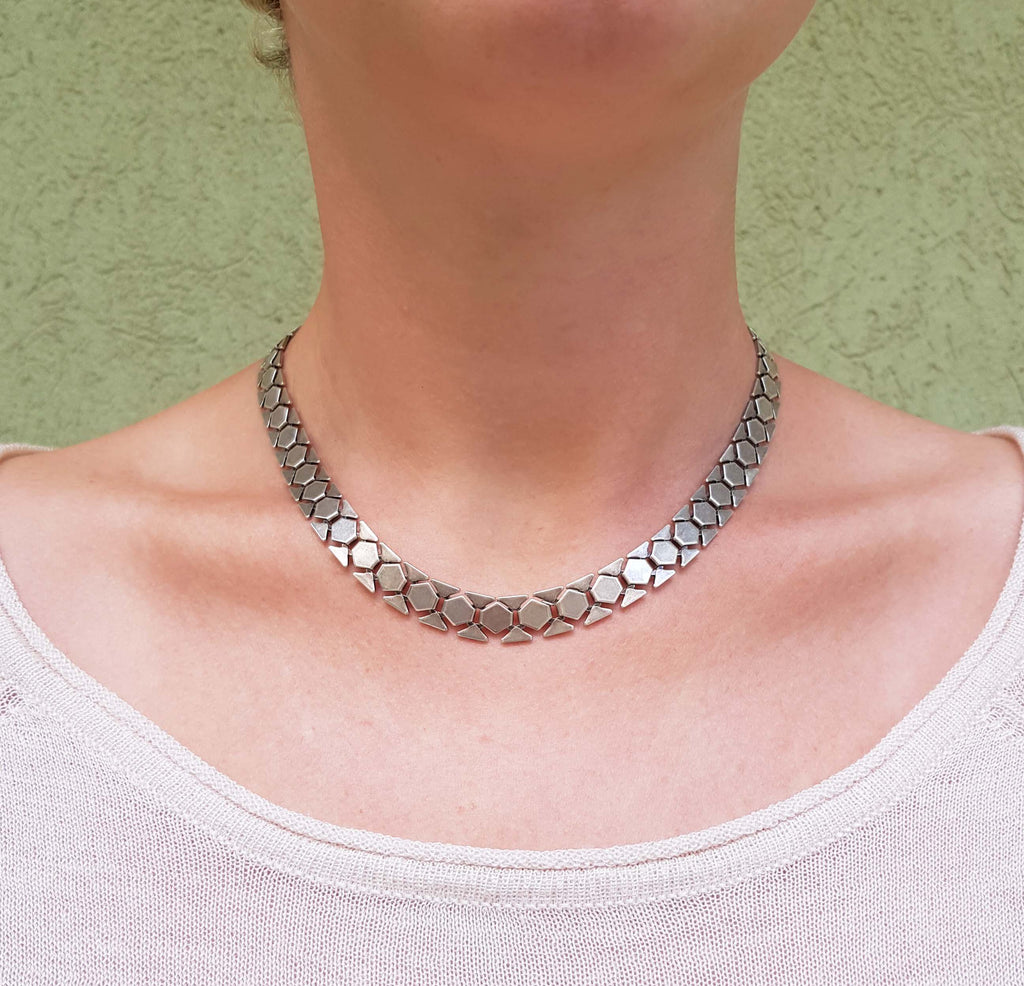 Light weight necklace, Onor necklace, Dana Mantzur