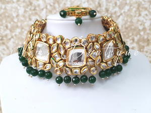 Kritika Luxury Classic Kundan & Green Choker Set