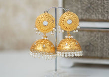 Damini Maharani Light Gold Chumke