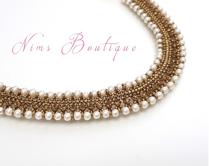 Royal Antique Pearl Necklace with Gold stone