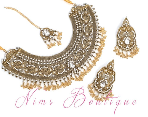 Royal Anushka Antique Gold & Gold Bead Set