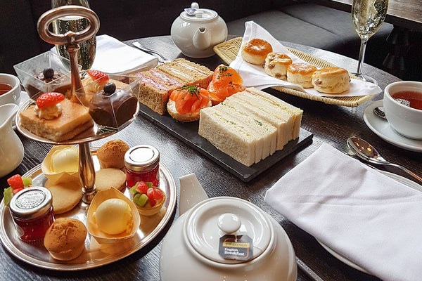 Top tips for the etiquette of afternoon tea
