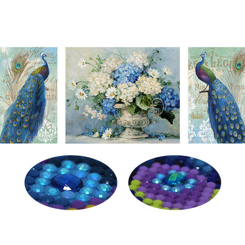 Afbeelding van 3-panelen Diamond Painting - Peacock and Flower - Drijvende stijlen - Diamond Embroidery - Paint With Diamond