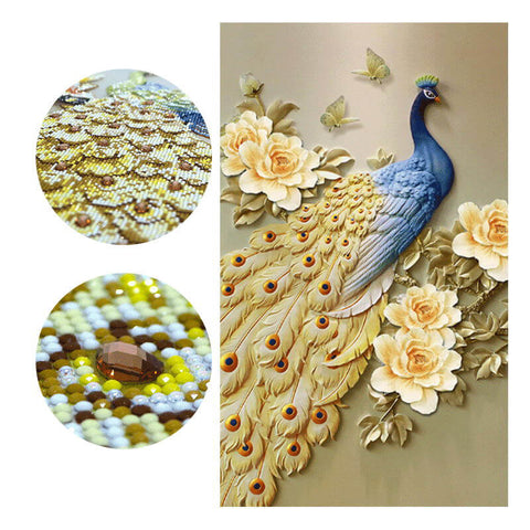 Diamond Painting - Peacock With Golden Tail Feathers - Floating Styles - Diamond Embroidery - Paint With Diamond
