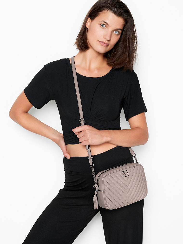 VICTORIA'S SECRET The Victoria Top Zip Crossbody