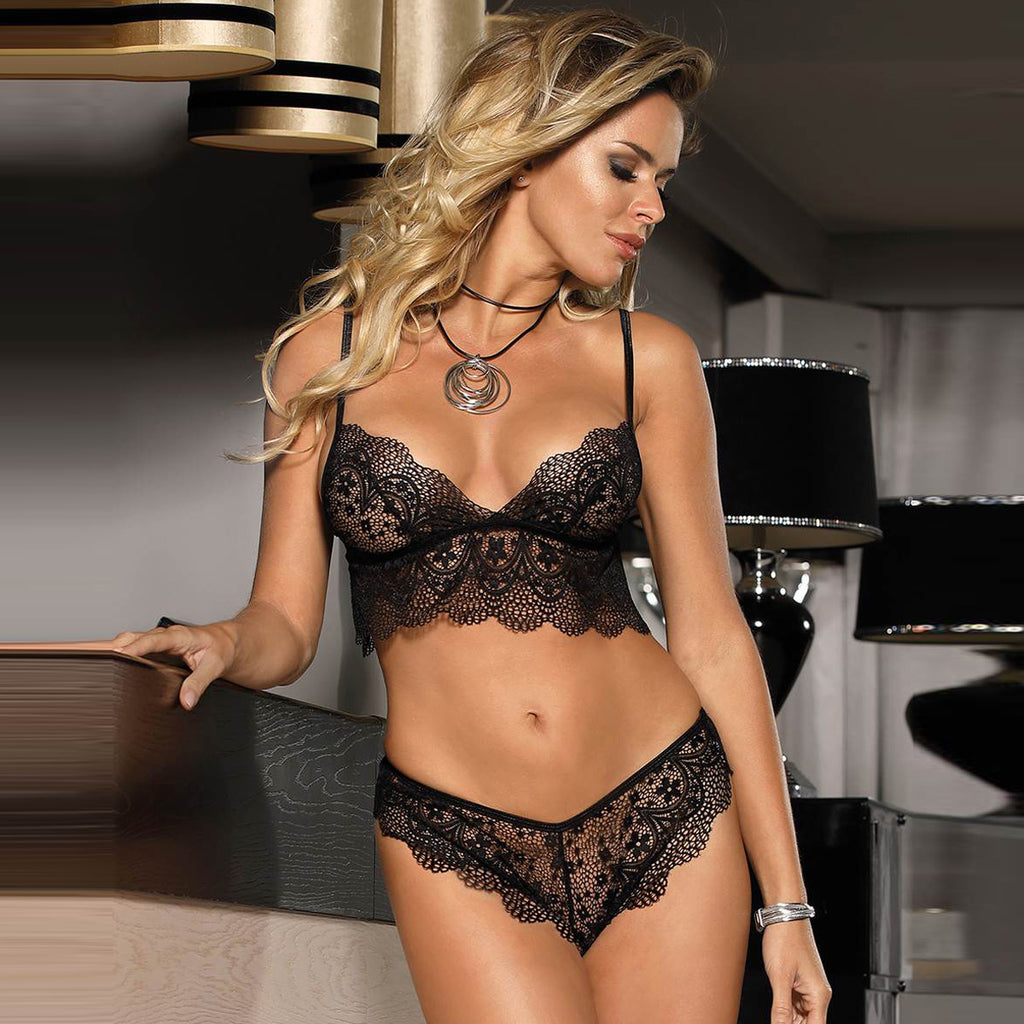 Midnight temptation with Lace Bra Set