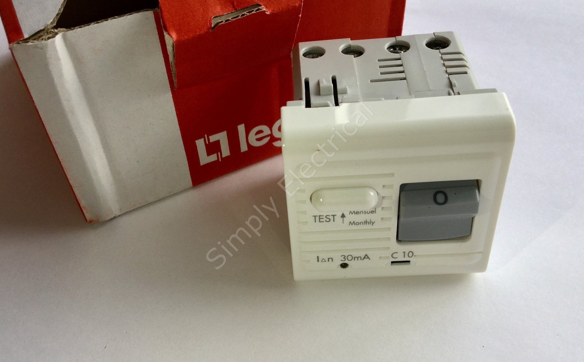 LEGRAND MOSAIC 10 AMP 30mA DIFFERENTIAL RCBO Circuit Breaker   74457   From  £6/ ...