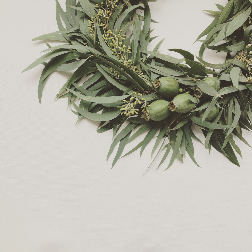 MINIMAL INDOOR WREATH WORKSHOP