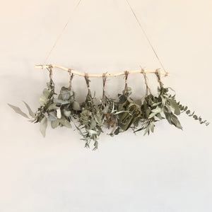 DRIED EUCALYPTUS BOTANICAL WALL HANGING