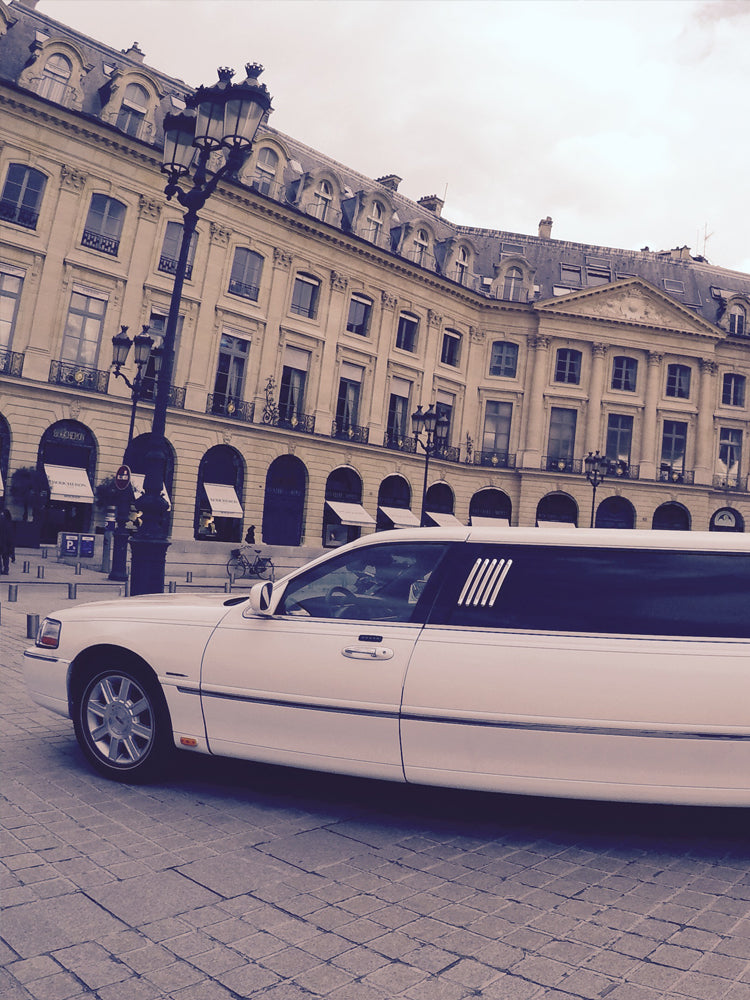 Limousine by night au cœur de Paris !