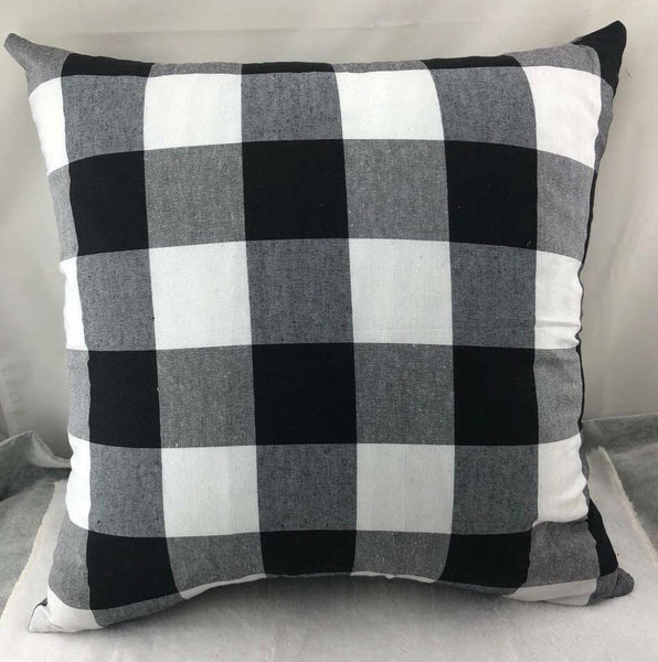 Pillow cover- White/Black Plaid