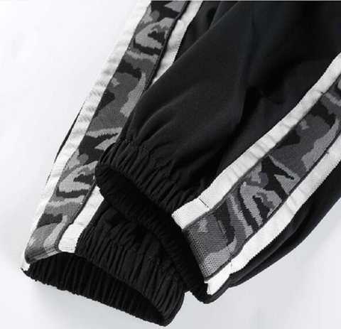 Tracksuit with Camo-Lines