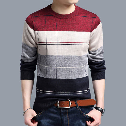 Casual men's pullover sweater