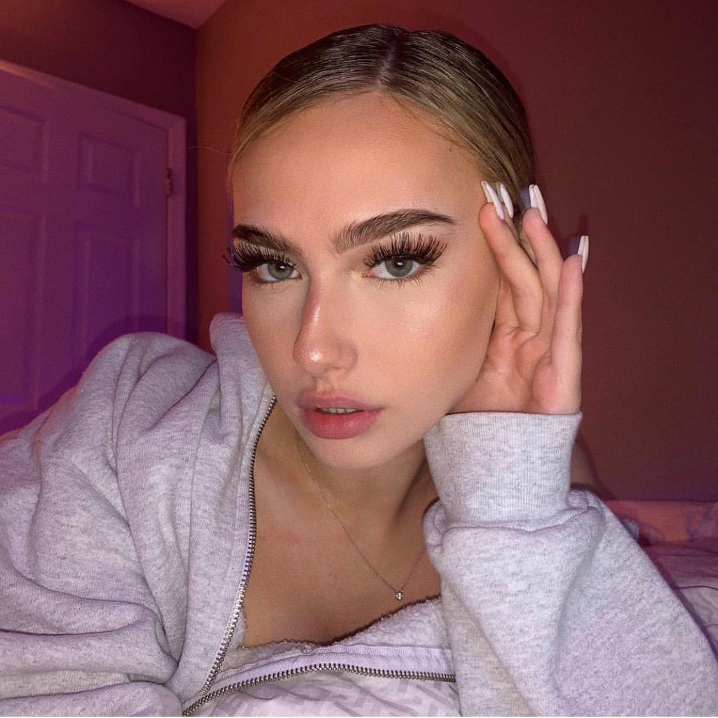 Molly O'Malia wearing the Signature Lash
