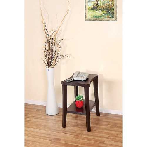 Simple Design Chairside Table With 1 Shelf.