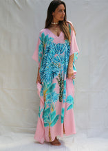 Grandis Motel in La Palma long kaftan