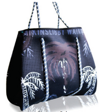 Reversible Tote in Signature Palm