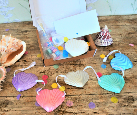 Scallop Shell Heart Bunting Craft Box