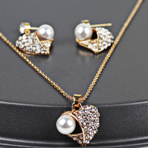 Women's Vintage Heart-shaped Necklace and Earrings Jewelry Set - Roseandjoy